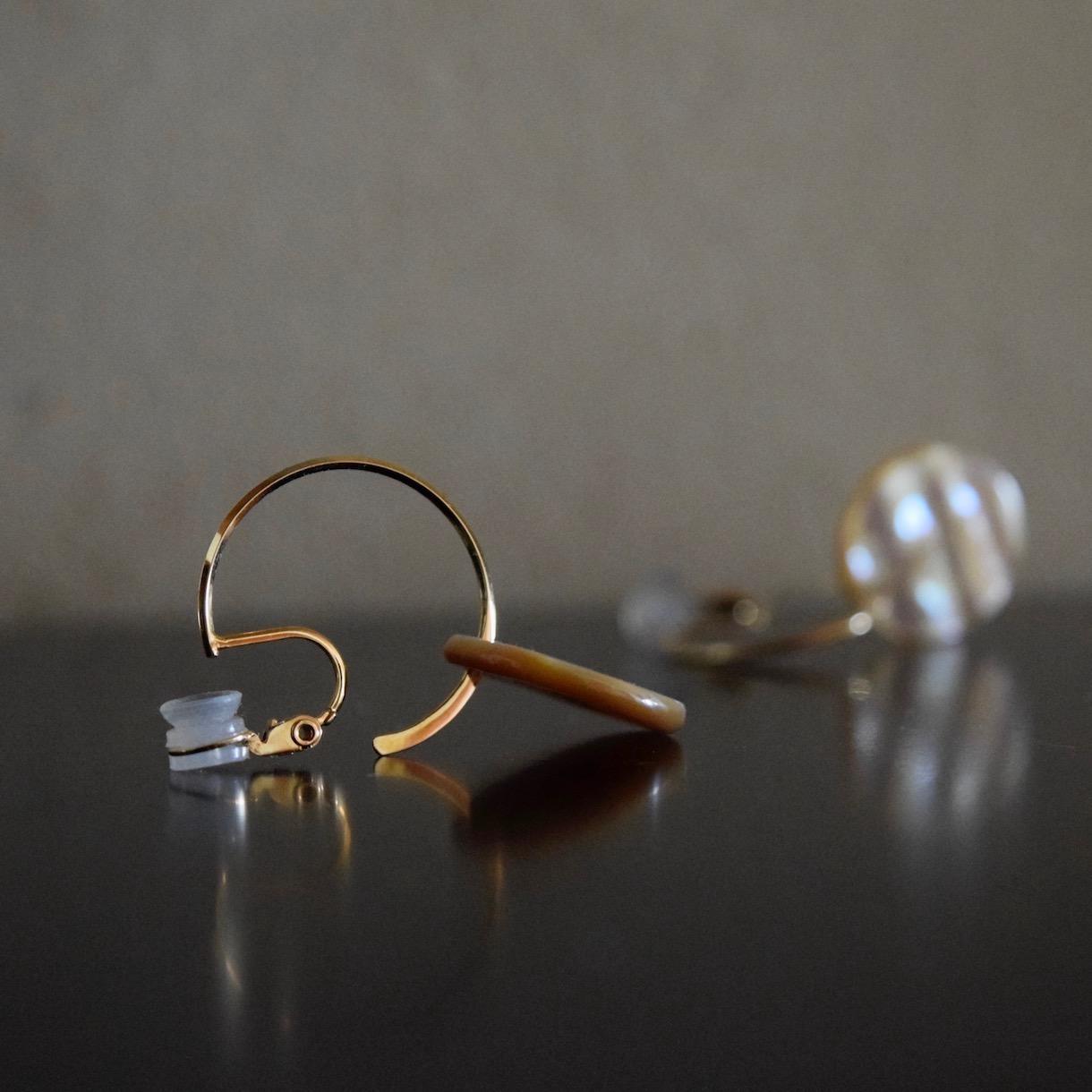 あわびの貝殻のイヤリング